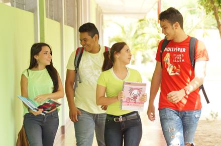 Estudiantes UNIAV