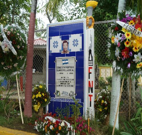 Monumento a Ernesto Porfirio Ramos